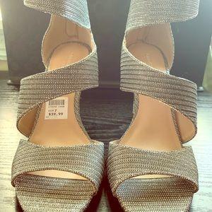 Zapatos silver, nuevos, size 7